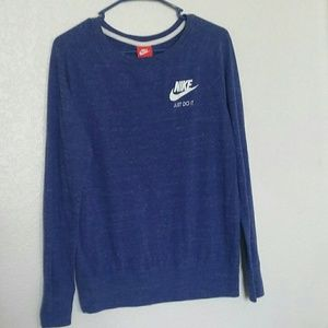 Nike Women's Lightweight Sweatshirt Size Medium